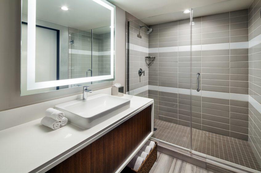 W Los Angeles West Beverly Hills Luxury Hotel - Los Angeles, CA, USA - Wonderful Studio Guest Bathroom