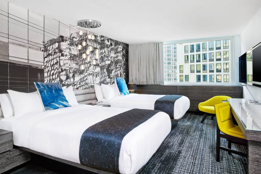 W Chicago Lakeshore Luxury Hotel - Chicago, IL, USA - Spectacular Guest Room Twin Beds