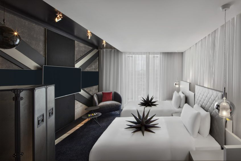 W London Luxury Hotel - London, United Kingdom - Fabulous Twin Guest Room Bed