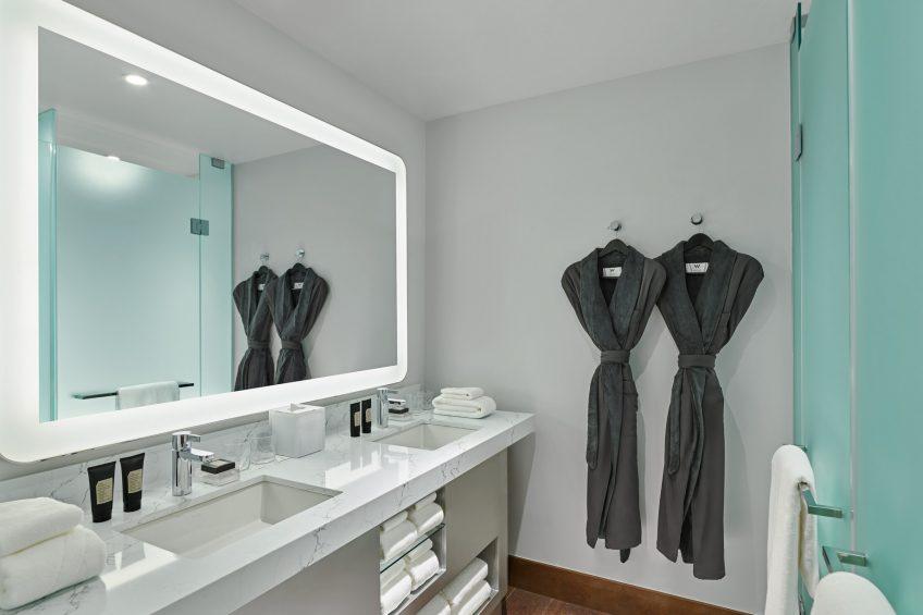 W Aspen Luxury Hotel - Aspen, CO, USA - Wonderful Guest Bathroom