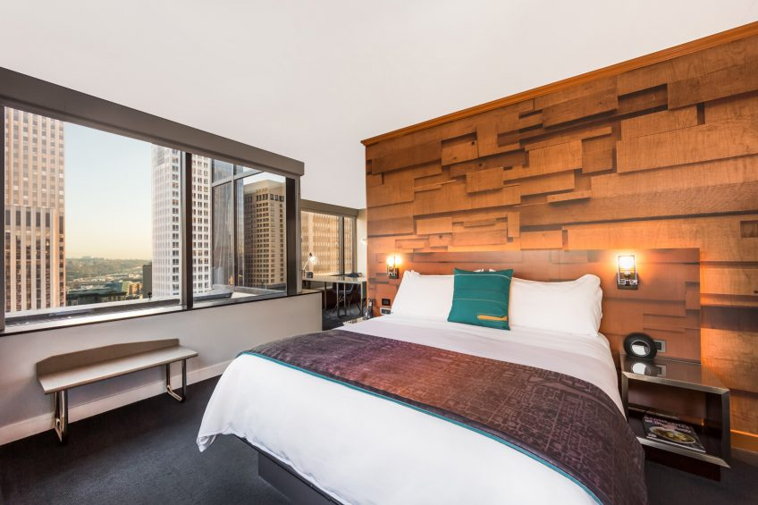 W Seattle Luxury Hotel - Seattle, WA, USA - WOW Suite King Bedroom