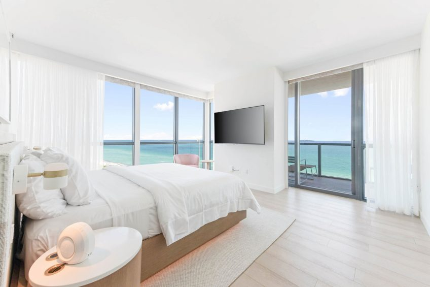 W South Beach Luxury Hotel - Miami Beach, FL, USA - E Wow Suite King Bedroom