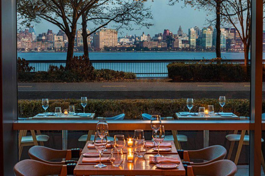 W Hoboken Luxury Hotel - Hoboken, NJ, USA - Halifax Restaurant Table Manhattan View