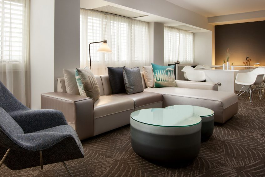 W Los Angeles West Beverly Hills Luxury Hotel - Los Angeles, CA, USA - WOW Suite