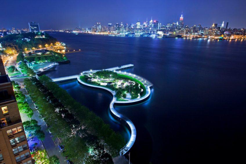 W Hoboken Luxury Hotel - Hoboken, NJ, USA - New York View