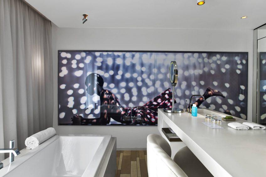W London Luxury Hotel - London, United Kingdom - Suite Bathroom Tub