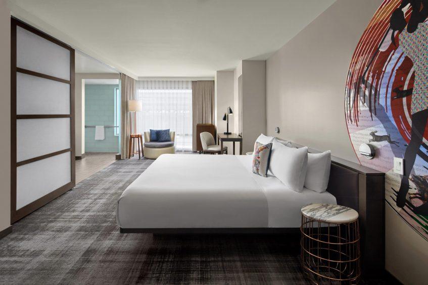 W Scottsdale Luxury Hotel - Scottsdale, AZ, USA - Wonderful King Accessible Bedroom