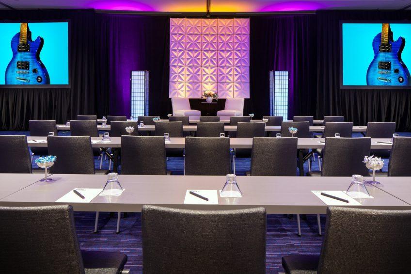 W Seattle Luxury Hotel - Seattle, WA, USA - Great Room Guest Interview Set
