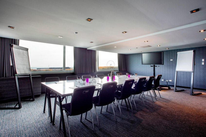 W Chicago Lakeshore Luxury Hotel - Chicago, IL, USA - Focus 1 Meeting Room Table