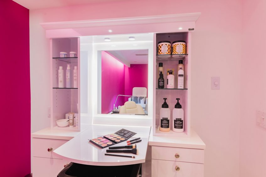 W Fort Lauderdale Luxury Hotel - Fort Lauderdale, FL, USA - AWAY Spa Glam Station