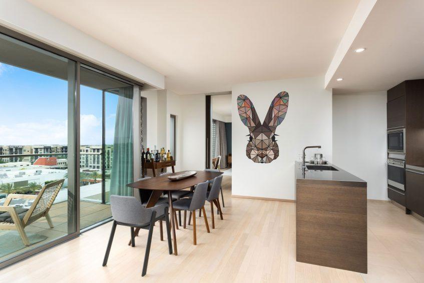 W Scottsdale Luxury Hotel - Scottsdale, AZ, USA - WOW Suite Dining Area