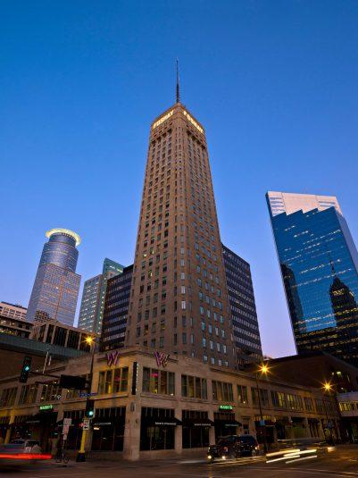 W Minneapolis The Foshay Luxury Hotel - Minneapolis, MN, USA - Hotel Night Street View