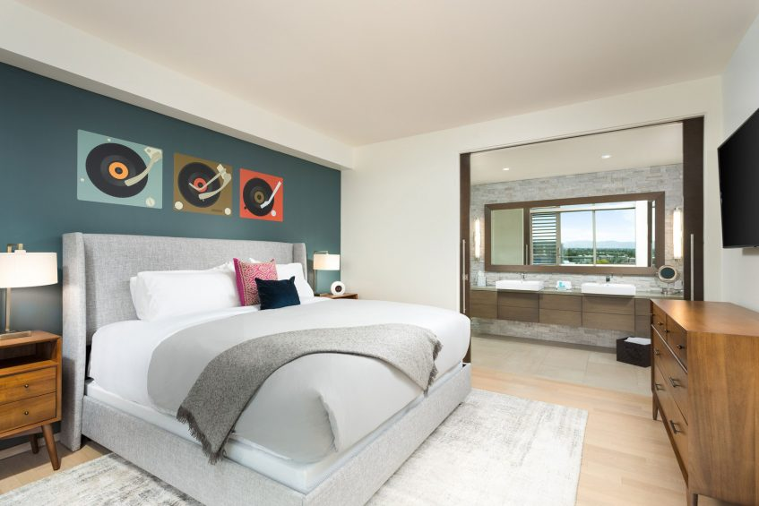 W Scottsdale Luxury Hotel - Scottsdale, AZ, USA - WOW Suite King