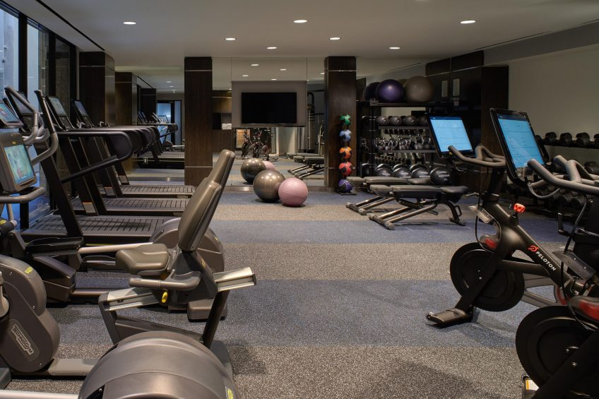 W Los Angeles West Beverly Hills Luxury Hotel - Los Angeles, CA, USA - FIT