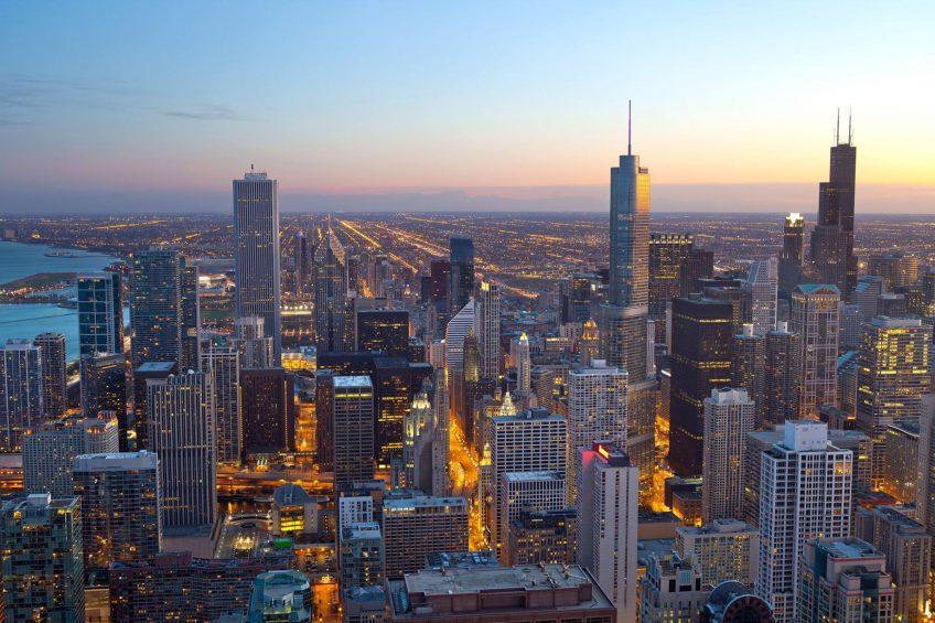 W Chicago Lakeshore Luxury Hotel - Chicago, IL, USA - Chicago Skyline