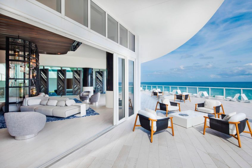 W Fort Lauderdale Luxury Hotel - Fort Lauderdale, FL, USA - Living Room Terrace Beach View