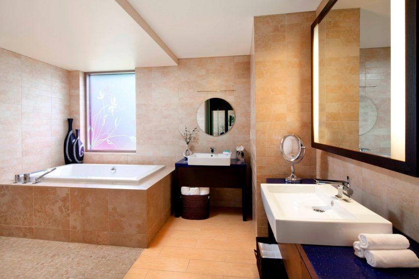 W Scottsdale Luxury Hotel - Scottsdale, AZ, USA - Mega Suite Bathroom