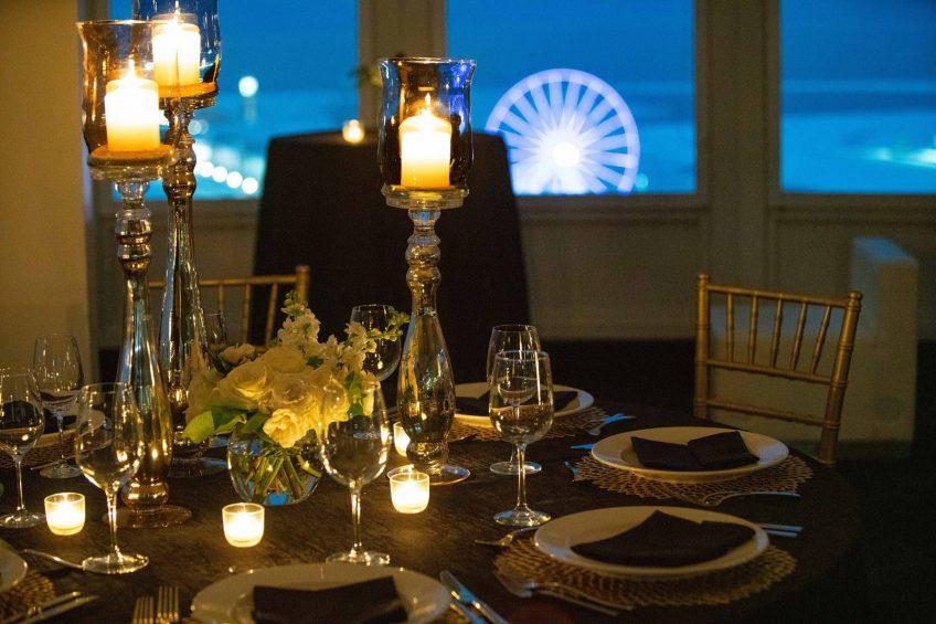W Chicago Lakeshore Luxury Hotel - Chicago, IL, USA - Altitude Wedding Table
