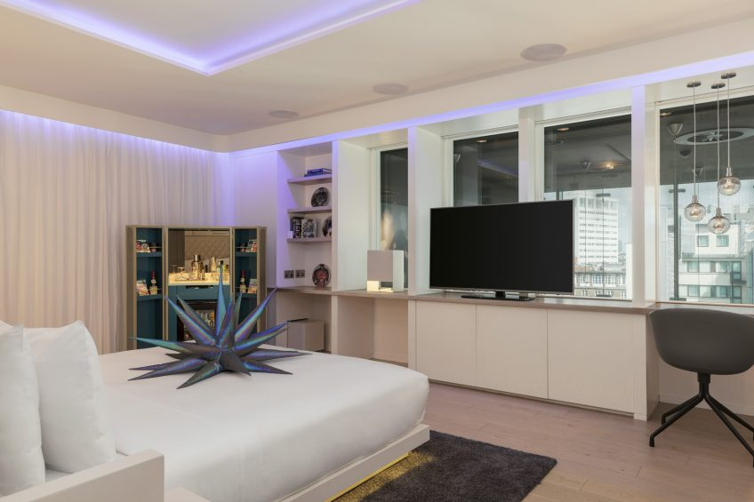 W London Luxury Hotel - London, United Kingdom - Supreme Screening Suite King Bed