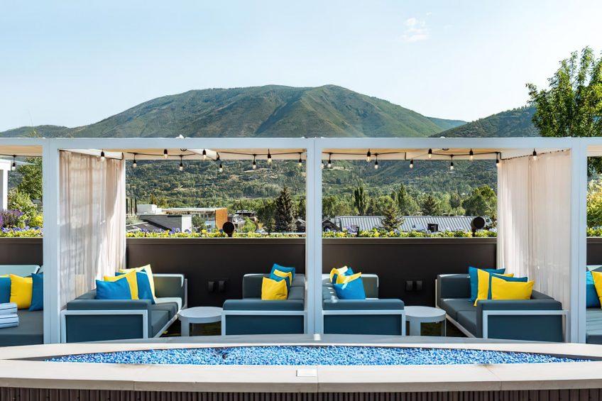 W Aspen Luxury Hotel - Aspen, CO, USA - WET Deck Daydream Lounge Mountain View