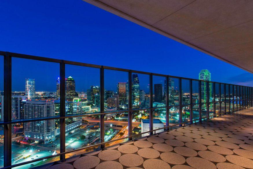 W Dallas Victory Luxury Hotel - Dallas, TX, USA - Downtown View