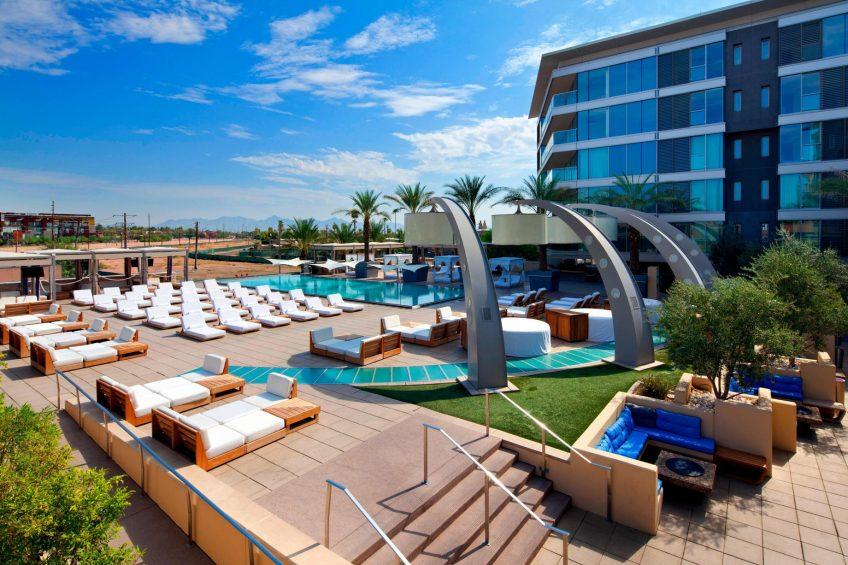 W Scottsdale Luxury Hotel - Scottsdale, AZ, USA - WET Deck Poolside Lounge Chairs