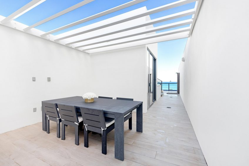 W South Beach Luxury Hotel - Miami Beach, FL, USA - Mega Bi Level Suite Outdoor Dining Area