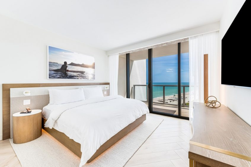 W South Beach Luxury Hotel - Miami Beach, FL, USA - Oasis and Sensational Suite Guest Room