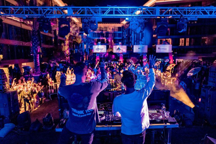 W Scottsdale Luxury Hotel - Scottsdale, AZ, USA - Weekend Jetaway DJ
