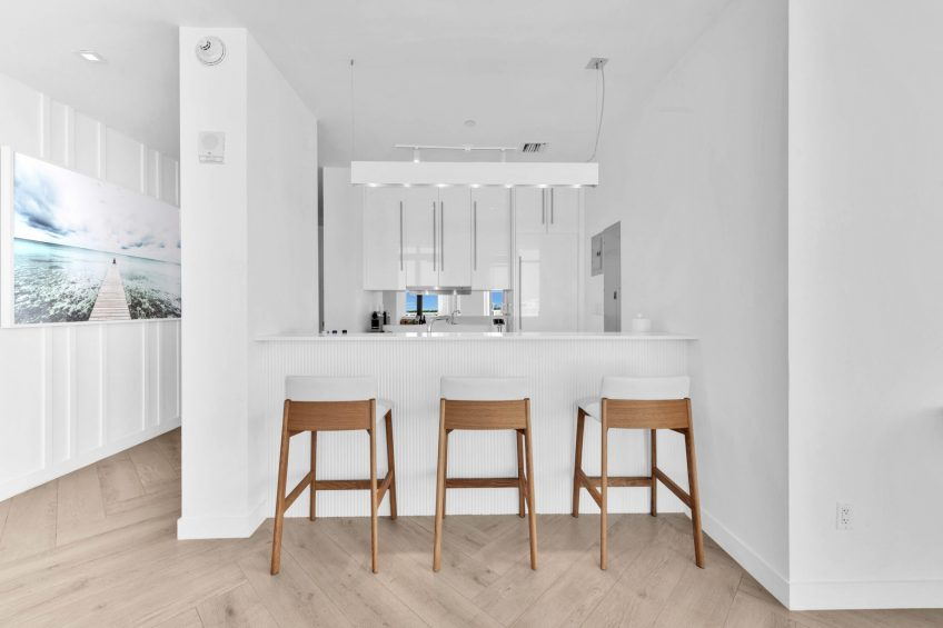W South Beach Luxury Hotel - Miami Beach, FL, USA - Ocean View Penthouse Suite Chairs