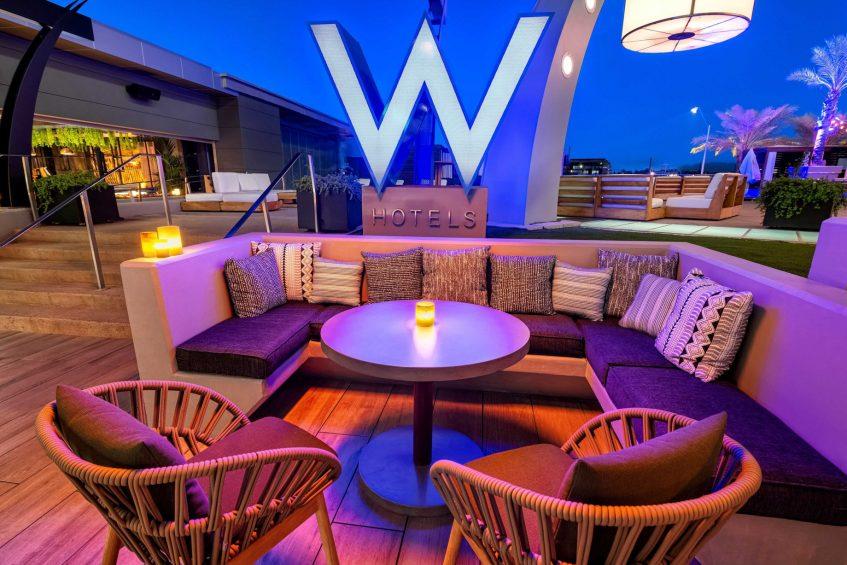 W Scottsdale Luxury Hotel - Scottsdale, AZ, USA - Cottontail Cafe and Lounge