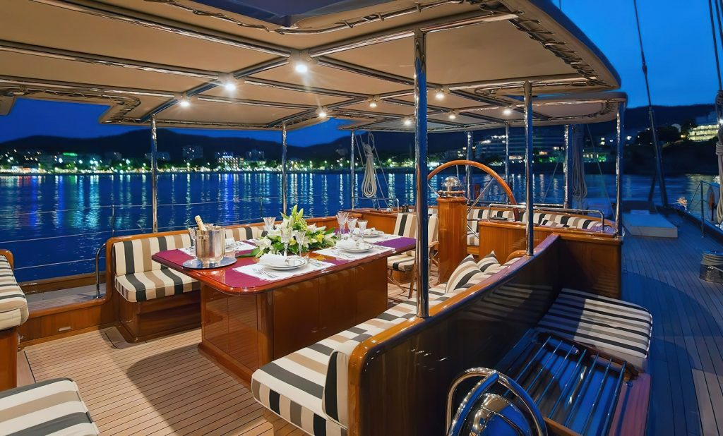 Discover Six of the Best Luxury Yachts for Sale - SY GWEILO - Aft