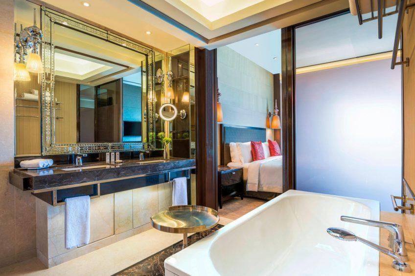 The St. Regis Mumbai Luxury Hotel - Mumbai, India - Caroline Astor Suite Bathroom Tub