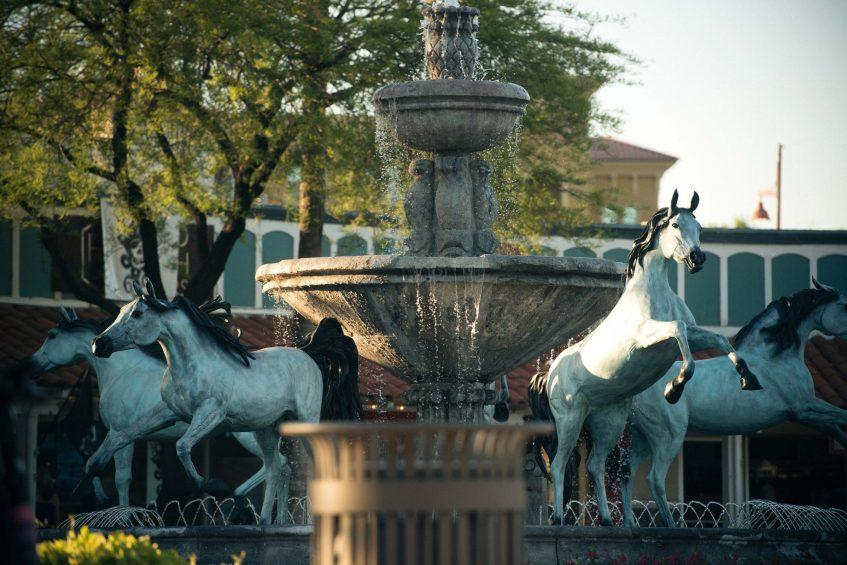 W Scottsdale Luxury Hotel - Scottsdale, AZ, USA - Old Town Scottsdale Fountain
