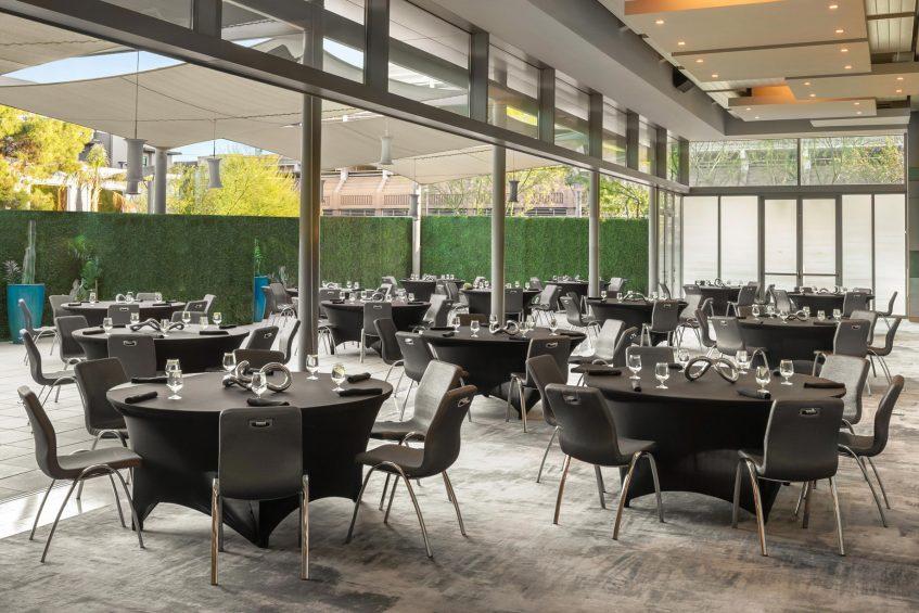 W Scottsdale Luxury Hotel - Scottsdale, AZ, USA - Social Mingle Table Setting