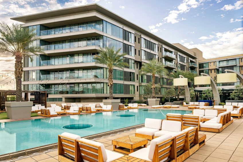 W Scottsdale Luxury Hotel - Scottsdale, AZ, USA - WET Deck Poolside