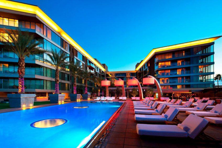W Scottsdale Luxury Hotel - Scottsdale, AZ, USA - WET Deck Night