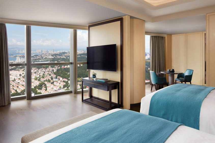 The St. Regis Qingdao Luxury Hotel - Qingdao, Shandong, China - Grand Deluxe Guest Room Twin