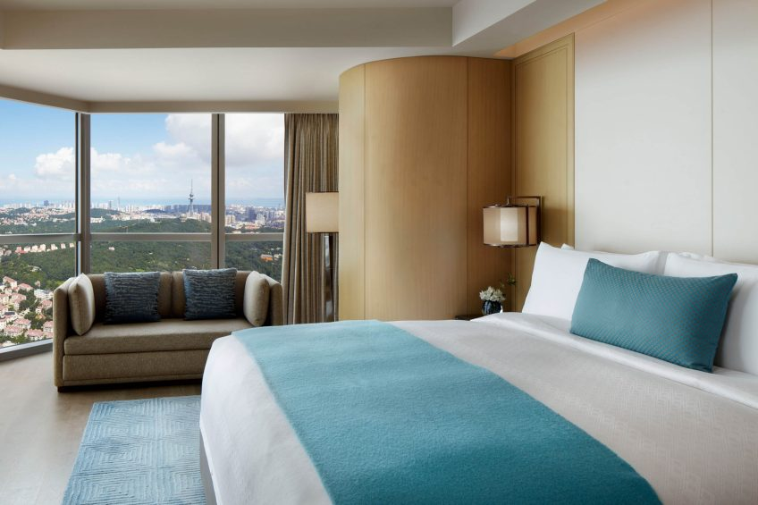 The St. Regis Qingdao Luxury Hotel - Qingdao, Shandong, China - Grand Deluxe Guest Room