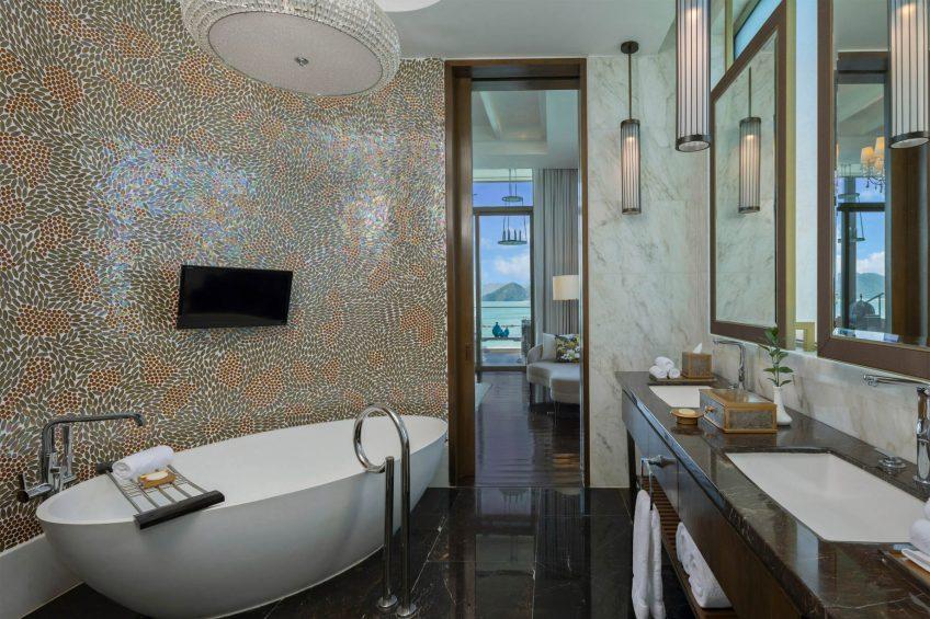 The St. Regis Langkawi Luxury Resort - Langkawi, Malaysia - Sunset Royal Villa Bathroom