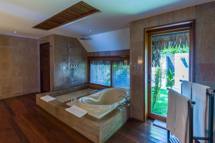 The St. Regis Bora Bora Resort - Bora Bora, French Polynesia - Garden Suite Villa With Pool Bathroom Tub